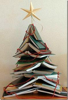 Book Christmas Tree. LOVES!