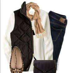 How To Wear Camel scarf, Black vest & Leopard flats Outfit Idea 2017 - Fashion Trends Ready To Wear For Plus Size, Curvy Women Over 50 Look Fashion, Fashion Outfits, Womens Fashion, Fashion Trends, Fall Fashion, 2000s Fashion, Vest Outfits, Casual Outfits, Black Vest Outfit