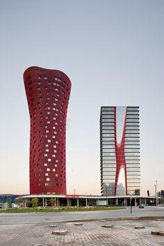 Цветные здания: Музей Nestlé в Толуке, Torres Porta Fira в Барселоне и другие яркие дома | Admagazine | AD Magazine