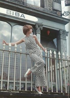 Sad not to have been able to shop at this store...Biba boutique, 1960s.