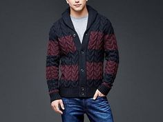 Look good in cooler temperatures in Gap sweaters for men. Shop men's sweaters and you're sure to upgrade your knits. Mens Chunky Cardigan, Cable Cardigan, Sweater Cardigan, Men Sweater, Striped Cardigan, Laine Chunky, Thanksgiving Fashion, Ideias Fashion, Mens Fashion