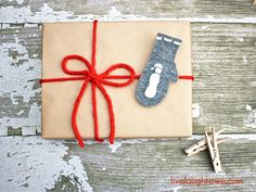 Creative Gift Wrapping with LiveLaughRowe.com #gifts #christmas #wrapping