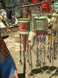 Wind chimes made from old tin pails and silverware. by Betty Jones Tin Can Crafts, Fun Crafts, Arts And Crafts, Carillons Diy, Tin Pails, Tin Can Art, Diy Wind Chimes, Deco Boheme, Antique Market