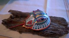 Kim's painted horse shoe crab. Crab Crafts, Diy Crafts, Crab Art, Crab Shells, Horseshoe Crab, Shell Art, Shell Crafts, Rock Art, Painted Rocks