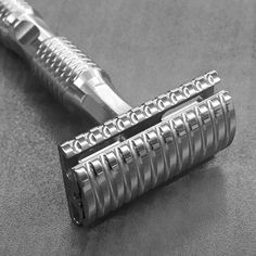 TImeless razors new scalloped head safety razor. solid stainless steel, made in the USA, CNC machined safety razor Shaving Tips, Shaving Razor, Wet Shaving, Shaving Cream, Shaving Products, Beard Shaving Styles, Best Safety Razor, Shaving Trimmer, Best Shave