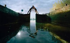 Ellen Kooi is a dutch photographer, who lives and works in Haarlem, the Netherlands. Scenery Photography, Creative Photography, Photography Ideas, Koi, Landscape Drawings, Imagines, Commercial Photography, Visual Effects, Photo Colour