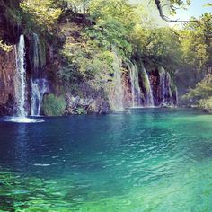 Plitvice Lakes National Park in Croatia. Plitvice Lakes National Park is a must add to your Croatia itinerary. Landscape Photography, Nature Photography, Travel Photography, Beautiful Waterfalls, Beautiful Landscapes, Places To Travel, Places To See, Croatia Itinerary, Plitvice Lakes National Park