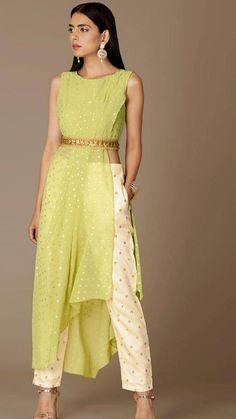 Indian Fashion Dresses, Dress Indian Style, Indian Designer Outfits, Fashion Outfits, Indian Wedding Outfits, Indian Outfits, Ethnic Outfits, Designer Party Wear Dresses, Kurta Designs Women