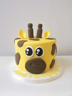 Our giraffe cake is sure to be a hit at the party! Giraffe Birthday Cakes, Giraffe Cupcakes, Special Birthday Cakes, Baby Birthday Cakes, Cake Paris, Horse Cake, Animal Cakes, Book Cakes, Character Cakes
