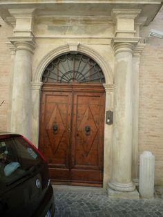 Palazzo Brunori, Via del Corso 43