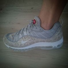 LPU! Supreme. Good Old 98. Fkng Comfy!#solecollector #snkrhds #instakicks #wdywt #us12 #nicekicks #sneakersaddict #sadpnikeid #sadp #sneakerheads #sneakersmag #hypebeast #igsneakercommunity #igsneakergang #lpu #runnergang #kicksonfire #kickstagram #kicks0l0gy #sneakerporn #airmax98 #nikeairmax #nike #supreme  #supremeairmax98 @supremenewyork by johnnycanone