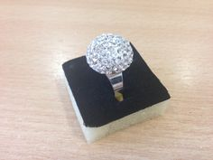 Ring decorated using crystal clay and swarovski chatons