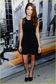 Ashley Greene: DKNY Fashion Show   greene dkny 06 - Photo