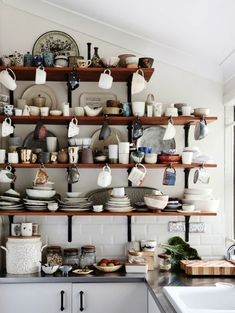 Clutter Interior Design Style Ideas