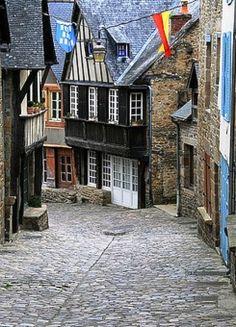 Dinan, Bretagne, France---diggin' the cobblestone streets the most~ :)