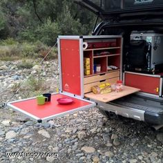 Let's Go Camping! - Outdoor Camping Tips Camping Ideas, Todo Camping, Camping Chuck Box, Truck Camping, Camping Hacks, Camp Kitchen Box, Camper Kitchen, Kitchen Ideas, Vw T4