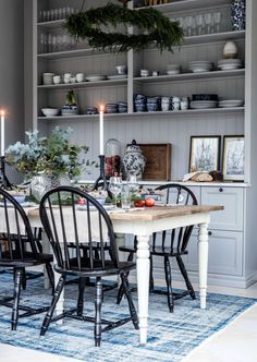 Rörstrand Ostindia porcelain Swedish Interior Design, Interior Design Layout, Swedish Decor, Beautiful Interior Design, Cozy Kitchen, Kitchen Decor, Beautiful Kitchens, Home Living Room, Kitchen Interior
