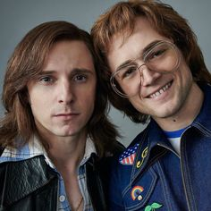 ⚡️ Jamie Bell as Bernie Taupin And Taron Egerton as Elton John 🕺🏻🕺🏻 Such A Perfect cats! 90s Grunge, Hippie Grunge, Man Movies, Movie Tv, Taron Edgerton, Rocketman Movie, Bernie Taupin, Crocodile Rock, Indie