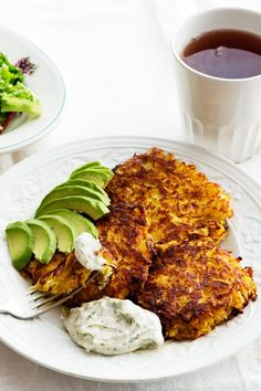 Low-Carb Rutabaga Fritters with Avocado - Diet Doctor Keto Foods, Diet Recipes, Low Carb Recipes, Healthy Recipes, Vegetarian Recipes, Veggie Recipes, Rutabaga Recipes, Comida Keto, Low Carb Breakfast