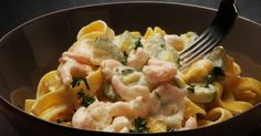 Fettucine aux champignons et aux crevettes. Easy Pasta Dinner Recipes, Best Pasta Dishes, Pasta Recipes, Easy Meals, Cooking Recipes, Rice Dishes, Baked Recipes Vegetarian, Vegetable Recipes, Seafood Recipes