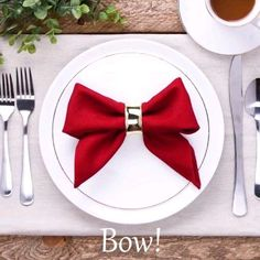 napkin folds ever hristmastwineornament hristmastwineornament Quick fixes for efficient people! napkin folding tutorial - Girl about townhouse Christmas Napkin Folding Idea Christmas Napkin Folding Idea 163 the best christmas crafts . Diy Home Crafts, Decor Crafts, Holiday Crafts, Holiday Decor, Christmas Napkin Folding, Christmas Napkins, Paper Napkin Folding, Christmas Diy, Folding Napkins For Thanksgiving
