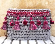 Marvelous Crochet A Shell Stitch Purse Bag Ideas. Wonderful Crochet A Shell Stitch Purse Bag Ideas. Crochet Wallet, Bag Crochet, Crochet Clutch, Crochet Handbags, Crochet Purses, Love Crochet, Boho Bags, Diy Bags, Knitted Bags
