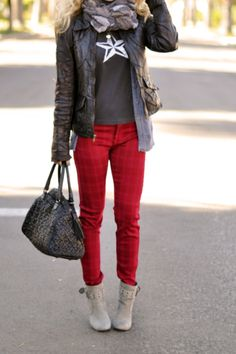 Stylish, yet casual holiday outfit