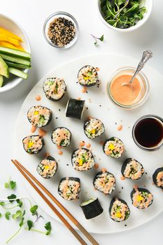 Spicy Mango & Avocado Brown Rice Sushi | picklesnhoney.com #vegan #sushi #recipe #brownrice #mango #avocado #lunch #dinner #cucumber