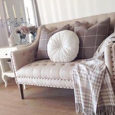 Credit: @storaasen ______________________________________✨✨Have a great day! ______________________________________ #inredning #inredningsdetaljer #inspiration #interior #interiör #interiores #decora #classyinterior #homestyling #homedesign #interiordesign #homeinspiration #decoracion #innere #interiordecor #style #lovely #homedecor #cozy #classy #dream #amazing