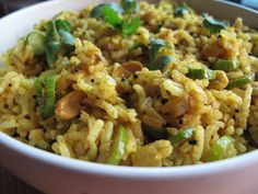 Masala Bhaat is also called as garam masala bhaat.It is a Maharashtrian recipe,you'll find This Any MH Household when The Lady Of The House is Very Tired :p