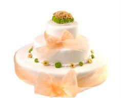 Svatební dort 39 Třípatrový svatební dort, o rozměrech 18 cm, 32 cm a 52 cm, obalen fondánem, dozdoben stuhami a živými květy Panna Cotta, Cake, Ethnic Recipes, Food, Pie Cake, Pie, Cakes, Essen, Yemek