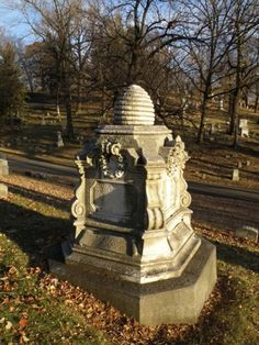 Woodland Cemetery - Dayton, Ohio         gravestone with beehive
