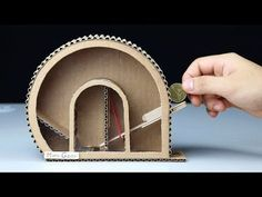 How to Make Personal Coin Saving Game DIY – Schnell und leicht selber machen. Mi… How to Make Personal Coin Saving Game DIY – Make It Fast and Easy Yourself. With this money box for children, saving is twice as fun: video with instructions Art Carton, Carton Diy, Kinetic Toys, Under The Sea Decorations, Diy Karton, Diy And Crafts, Crafts For Kids, Fun Crafts, Marble Machine