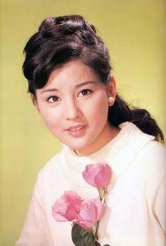 Beautiful Japanese Girl, Japanese Beauty, Beautiful Men, Classic Beauty, Actors & Actresses, Idol, Feminine, Memories, Celebrities
