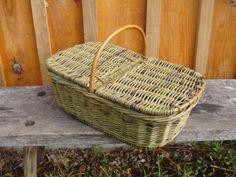 François Desplanches - Artisan Vannier cultivateur d'osier Wedding Gift Baskets, French Baskets, Wicker Picnic Basket, Market Baskets, Sewing Baskets, Basket Bag, Flower Basket, Easter Baskets, Basket Weaving