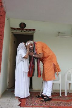 PM Modi celebrates birthday today - Yahoo News India OMG Happy Birthday 2 Our New Prime Minister Narendra Modi Rare Images, Rare Photos, Modi Narendra, Freedom Fighters Of India, Durga Images, Digital India, India First, Happy 2nd Birthday, The Orator