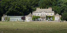 Zara Phillips and Mike Tindall are planning to live at Princess Anne's Gatcombe Park estate near Minchinhampton
