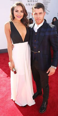 Olivia Culpo and Nick Jonas on the red carpet - I love her dress!