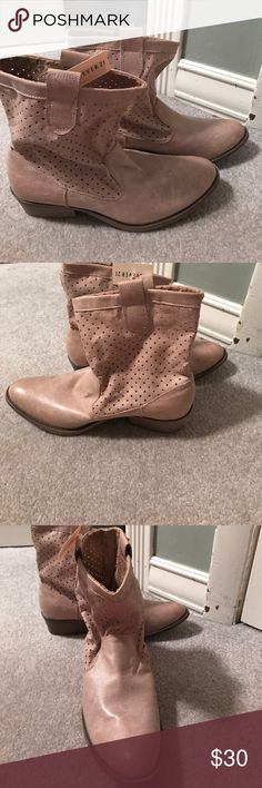 Boots Sandy brown cowboy boots. Super comfy, very cute (especially for summer) cute for concerts! True to the size. Never worn out of the house, still has the tags on. Shoes Ankle Boots & Booties