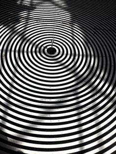 Photo: Nenad Bacanovic #abstract #black #white #hypno