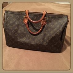 Authentic Speedy 40 Authentic Speedy 40, I'm looking for a lv deauville Louis Vuitton Bags