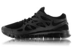 "d4b7381b425d 20 Sneakers You Need to Have for FallNike Free Run 2 ""Triple Black"""