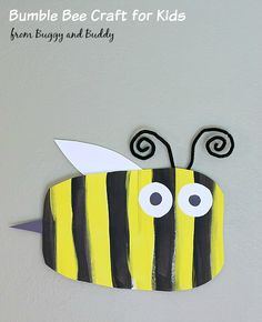 Simple Bumble Bee Art Project for Kids (Perfect spring craft for toddlers, preschoolers, and kindergarteners!)~ BuggyandBuddy.com