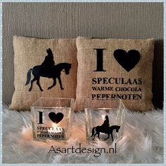 Jute Sinterklaas kussen met tekst Dutch Empire, Saints For Kids, St Nicholas Day, Look At My, Jute, Childproofing, Silhouette Cameo Projects, Pillow Talk, Netherlands