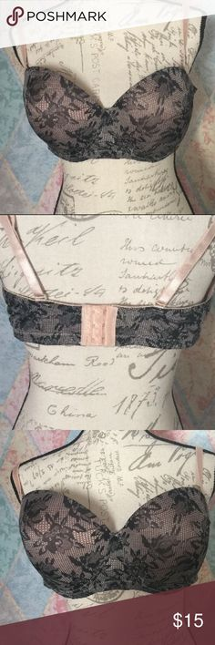 Daisy Fuentes Womens Lace LOOK Padded Underwire this is gently used with no flaws Please see all photos 90% Polyester 10% Spandex Style 3032x  Size 42DD  Gently worn no flaws  All bras have been washed in tide free & gently with NO fabric softener added  F 2 Daisy Fuentes Intimates & Sleepwear Bras