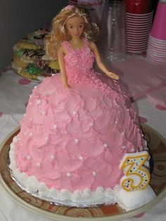 Kids' Birthday Cake Ideas...probably doing this for Jules first