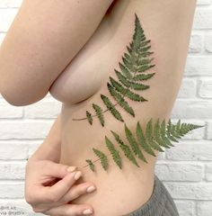 Rit Kit | Kiev Ukraine#liveleaftattoo Using live plants as...