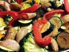 Buntes Ofengemüse, ein schmackhaftes Rezept aus der Kategorie Gemüse. Bewertungen: 122. Durchschnitt: Ø 4,4.