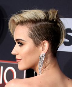 Katy Perry Asymmetrical Hairstyle - Short Straight Alternative - Light Blonde