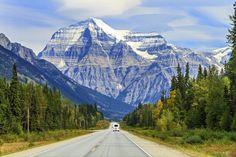 Onvergetelijke camperreis, die je van alle natuurrijkdom in West-Canada laat genieten. Spectaculaire bergpieken, wildlife, watervallen, kraakheldere meren, uitgestrekte prairies en weelderige naaldbossen; dit is slechts een kleine greep uit wat jou te wachten staat! Deze reis neemt je vanuit cowboystad Calgary mee op een route door de machtige Canadian Rockies, Banff en Jasper National Park. Vanuit de Rockies reis je verder naar de kust van British Columbia en de oerbossen op Vancouver… Calgary, Canadian Rockies, Banff National Park, Mount Rainier, Resorts, Habitats, Wilderness, Mount Everest, Places To Go